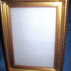 Stativ foto din calamina sintetica plastefiata aurita - Rama foto