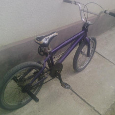 Vand bmx - Bicicleta BMX, Aliaje de aluminiu