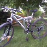 Vand mauntinebike URGENT!!!!!!!!!!!!! - Mountain Bike, Discuri, Cu amortizor, Aer/ulei