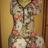 Bluza cu flori noua! - Bluza dama, Marime: 38, Culoare: Multicolor, Maneca scurta
