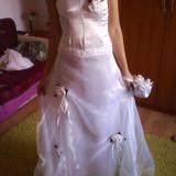 Rochie de mireasa nou cu accesoriu