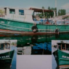 Barca de pescuit - Barca cu motor