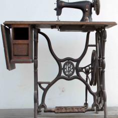 Masina de cusut SINGER autentica de peste 100 de ani