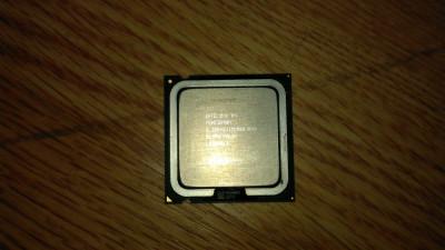 Procesor laptop / desktop Intel Pentium 3.2 Ghz / 1 M / 800 socket 775 foto