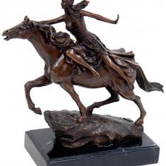 VALKYRIE IN NECUNOSCUT- STATUETA DIN BRONZ PE SOCLU DIN MARMURA - sculptura reproducere, Istorice