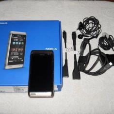NOKIA N8, 8GB, camera 12MP, toate accesoriile originale+casca bluetooth originala - Telefon mobil Nokia N8, Verde, Neblocat