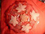Fructiera - Platou- din sticla , vechi- ornamente struguri si vita-de-vie