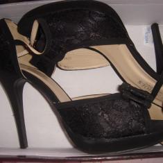 Pantofi dama, negri, cu toc, decupati, cu fundita, purtati o singura data - Pantof dama Miss Sixty, Culoare: Negru, Marime: 39, Negru