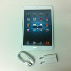 Tableta iPad mini Apple 64 gb Mod. A1455 Alba cu cartela sim este NOU, Wi-Fi + 4G