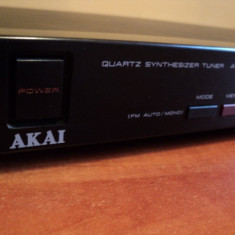 Tuner Akai AT - A301 digital vintage - Aparat radio