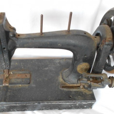 MASINA DE CUSUT ENGLEZEASCA SHUTTLE SEWING MACHINE