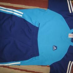 Compleu Adidas original, format din tricou si pantaloni, ca nou, mar. S, Culoare: Albastru, Marime: 36, Fitness & Yoga