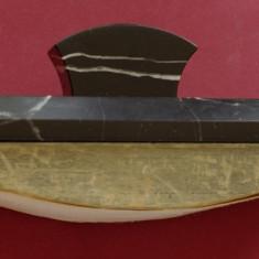 Suport sugativa deosebit din marmura neagra si lemn