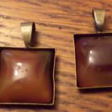 Pandantiv/martisor bronz cu cabochon patrat de agata