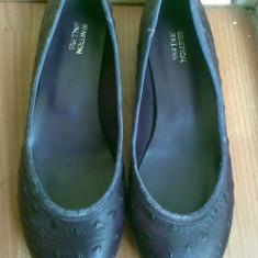 Pantofi balerini din piele firma BENETTON marimea 36! Arata impecabil!
