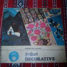 Tesaturi decorative Iustina Baluteanu
