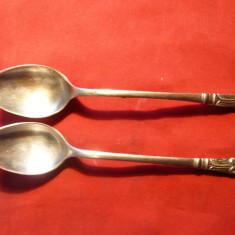 2 Lingurite vechi- Pereche - Anglia ,metal argintat ,marcaj EP NS