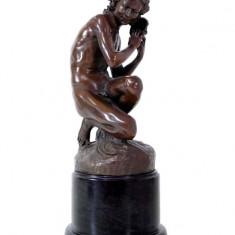 PESCAR CU SCOICA- STATUETA DIN BRONZ PE SOCLU DIN MARMURA - sculptura reproducere, Portrete