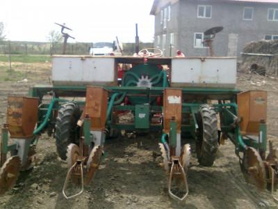 Semanatoare cu 4 sectii pt tractoras import italia foto