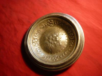 Scrumiera veche metal argintat ,d= 12,6 cm foto