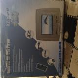 Tetiere auto cu DVD