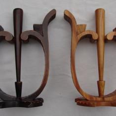 Superbe doua sfesnice din lemn sculptat
