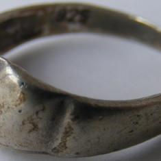 Inel vechi din argint (137) - de colectie