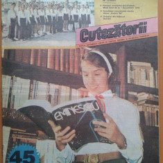 REVISTA CUTEZATORII 1988 NR. 10 - Revista scolara