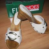 Papuci/saboti/sandale dama mar. 38