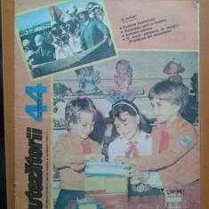 REVISTA CUTEZATORII 1989 NR. 44 - Revista scolara