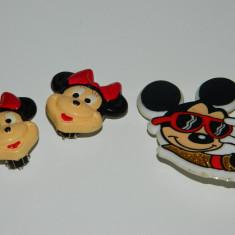 Set 3 produse Disney, Mickey Mouse Minnie, vintage, cercei, brosa, jucarie plus