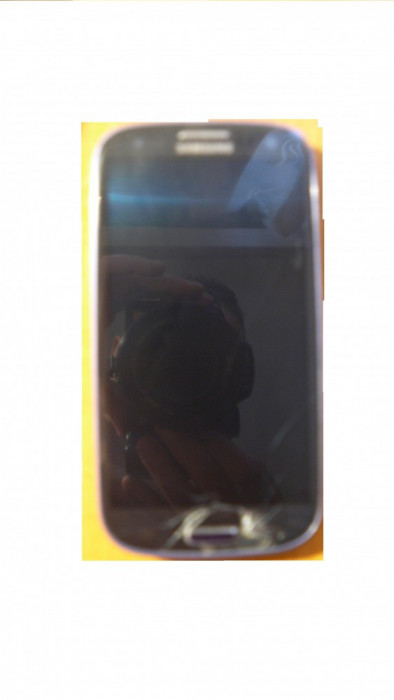 Vand/Schimb Samsung Galaxy S3 sticla crapata