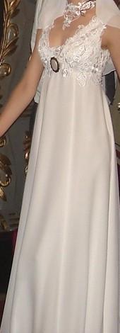 Rochie de mireasa Agnes Toma (magazinul Alb si Negru) + colier dantela