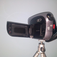 Camera video digitala Samsung VP-DX100 (gratis 2 x mini DVD-RW Verbatim) - Camera Video Samsung, sub 3 Mpx, CCD, 2 - 3