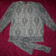 Bluza plisata / cutata foarte fin St. Honore; marime 44 (18 UK), vezi dimensiuni - Bluza dama, Culoare: Din imagine