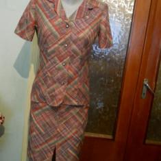 Costum dama roz cu dungi-marimea 36, Culoare: Din imagine