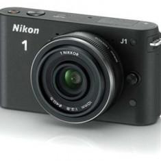 Nikon J1 cu obiectiv 10-30mm f/3.5-5.6VR CX (argintiu) - Aparate foto Mirrorless