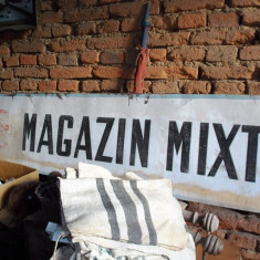 Reclama veche pe tabla galvanizata - MAGAZIN MIXT - COOP