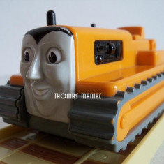 My First Thomas by Golden Bear vehicul - Terence tractorul pe senile din Sodor ( transport 2.6 RON la plata in avans ) - Trenulet Thomas and Friends, Plastic, Unisex
