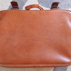 Valiza/Geamantan piele maro