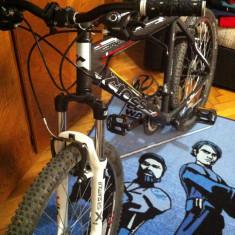 Bicicleta Cross CrossCountry/Downhill/Freeride, 20 inch, 26 inch, Numar viteze: 24, Aluminiu, Negru-Rosu