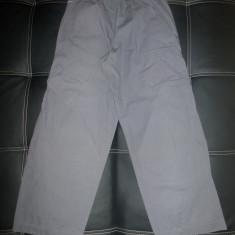 Pantaloni Nike; marime 140-152 cm inaltime, vezi dimensiuni exacte; impecabili