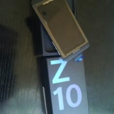 Vand BlackBerry Z10 Nou cu folie, nefolosit. - Telefon mobil Blackberry Z10, Negru, Orange
