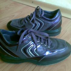 Adidasi din piele firma GEOX marimea 37, aproape noi, arata impecabil! - Adidasi dama Geox, Culoare: Visiniu, Marime: 36