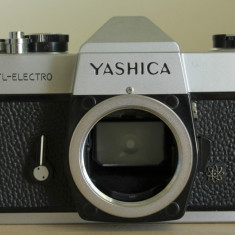 VAND APARAT FOTO PE FILM YASHICA ELECTRO, M42, BODY - Aparate Foto cu Film
