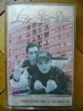 Caseta audio La Familia - Nicaieri nu-i ca acasa 1998 hip hop rap Bucuresti Salajan Sisu Puya de colectie Cat Music tupeu de borfas baieti de cartier