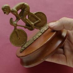 statueta  sport - sportiv pe bicicleta - metal !!!!