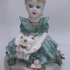 AuX: Superb bibelou vechi, statueta reprezentand o fata intr-o rochie eleganta!