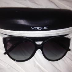 Ochelari de soare Vogue, Femei, Negru, Ochi de pisica, Plastic