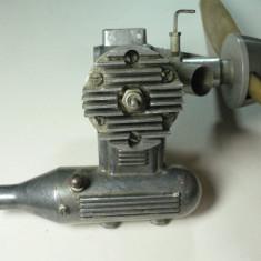 MOTOR AVION AEROMODEL VINTAGE - RUSESC ( SOVIETIC ) - RADUGA 7 - Metal/Fonta